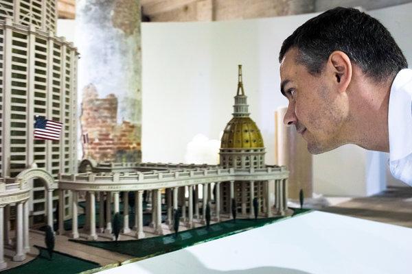 Gioni-BiennalediVenezia